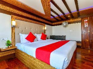 OYO 25105 Houseboat Luxury Sharing Water Cruise Аллеппи