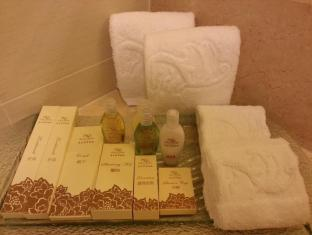 Casa Real Hotel Macau - Bath amenities