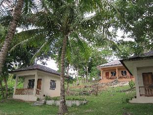Floras Dive and Resort