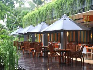 HARRIS Resort Kuta Beach Bali - HARRIS Cafe