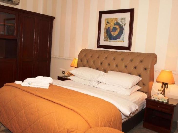 Al Bustan Hotel photo 2