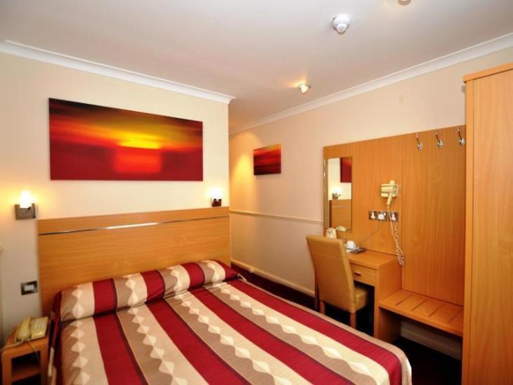 Queens Park Hotel photo 2