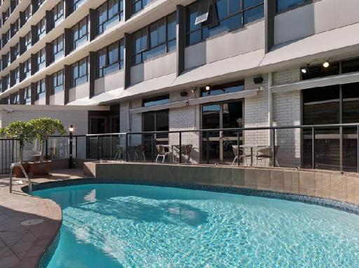 Best guest rating in Newcastle ➦ Novotel Newcastle Beach takes PayPal