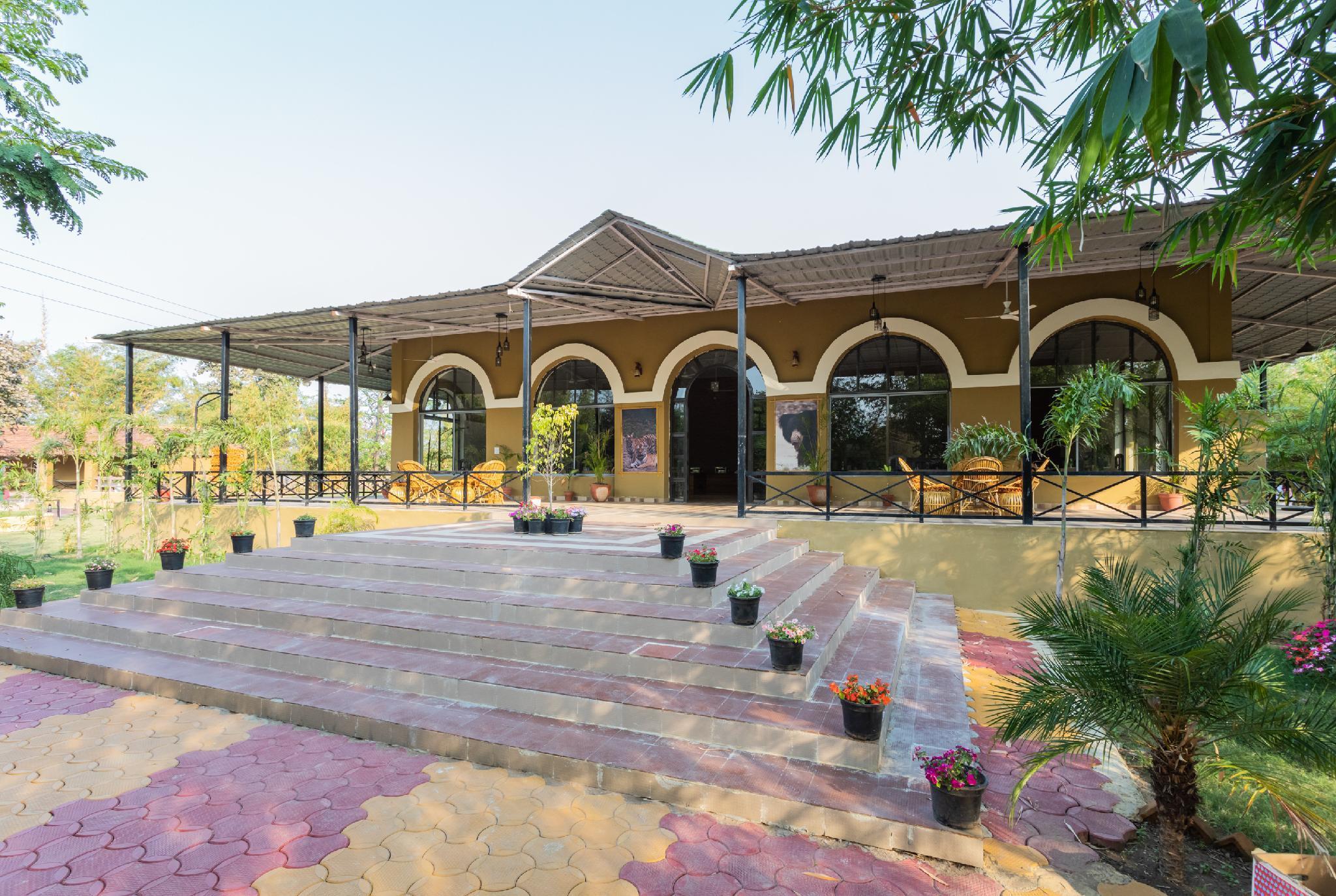 OYO 33494 Mogli Resort Kanha India