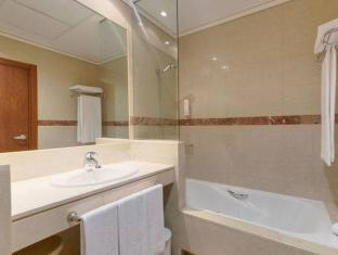 Tryp Las Matas Hotel Madrid - Bathroom