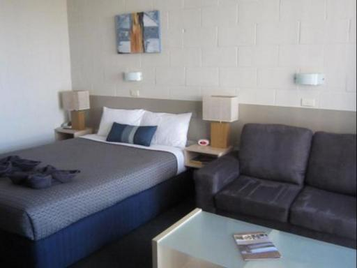 Best guest rating in Euroa ➦  takes PayPal