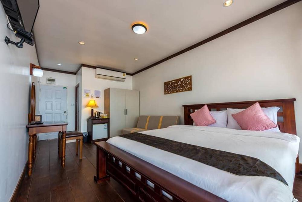 Riverside Chiangkhan Resort