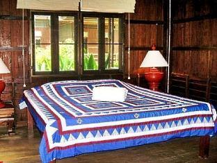 โรงแรมโลตัส วิลเลจ