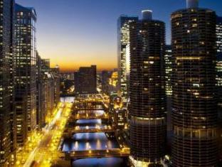 Hotel 71 Wyndham Affiliate Chicago (IL) - Exterior