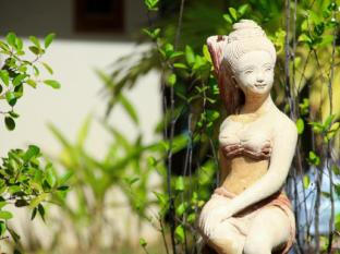 Kata Lucky Villa & Pool Access Phuket - Garden Sculpture