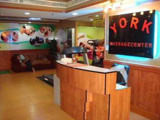 york hotel dubai prostitutes price zambia