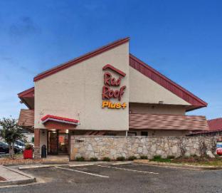Red Roof PLUS+ Nashville North - Goodlettsville