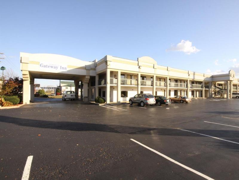 Gateway Inn And Suites Clarksville