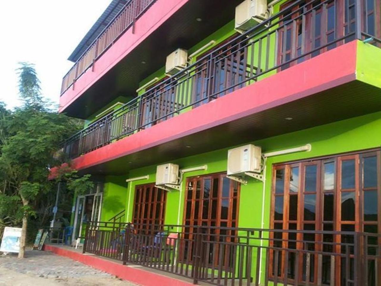 พีพี กรีนเฮาส์ (Phi Phi Green House)