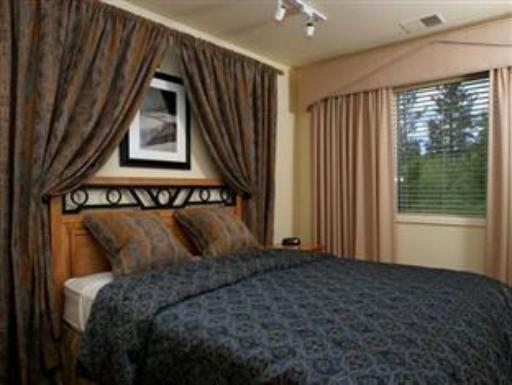 Lodge at Kingsbury Crossing hotel accepts paypal in Lake Tahoe (NV)