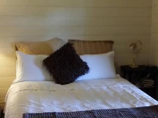 Best PayPal Hotel in ➦ Korumburra:
