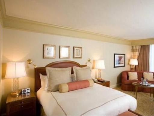 ➦  Hilton Worldwide    customer rating