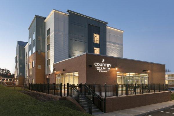 Country Inn & Suites by Radisson, Charlottesville-UVA, VA image