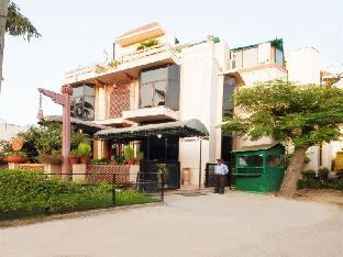 Siris 18 Hotel Gurgaon