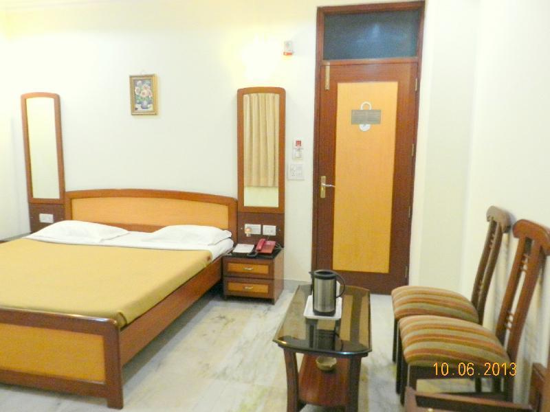 ホテル タラ パレス