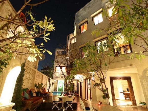 At Niman Conceptual Home Chiang Mai