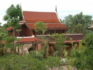 Mom Chailai River Retreat Hotel Nakhon Pathom - Surroundings
