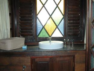Mom Chailai River Retreat Hotel Nakhon Pathom - Bathroom
