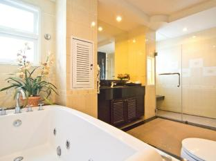 LK Royal Suite Hotel Pattaya - One Bedroom Suite Jacuzzi Bathroom