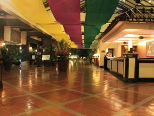 Waterfront Insular Hotel Davao Davao City - Foyer