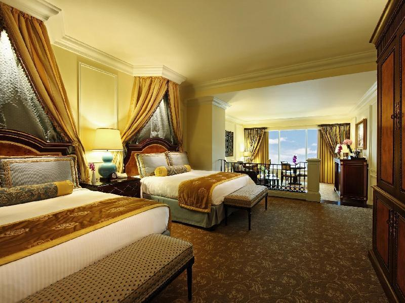 Bella Suite - Two Queen Beds