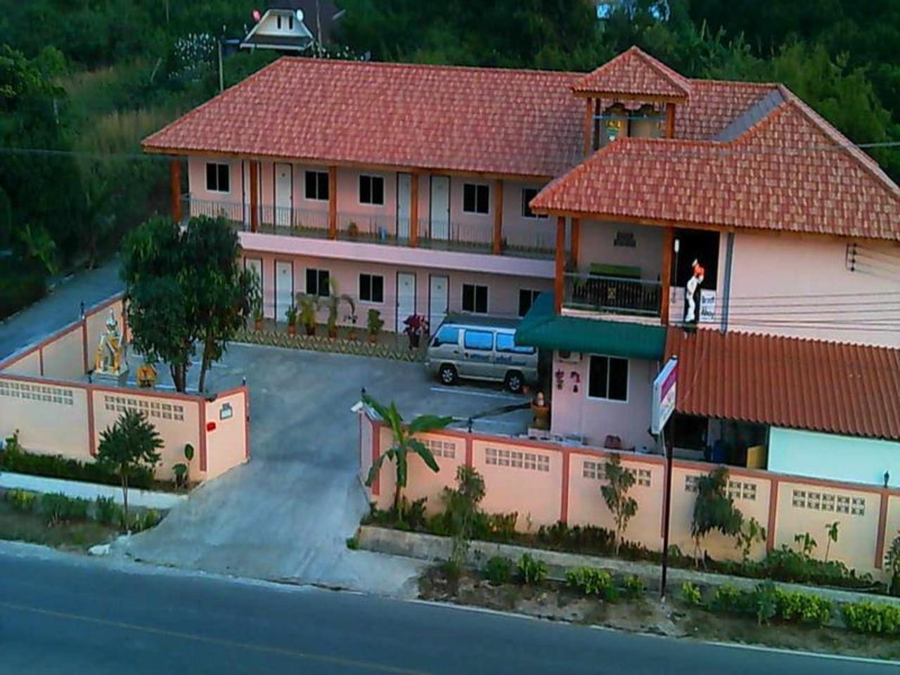 วัฒนะฮิลล์ รีสอร์ท (Wattana Hill Resort )