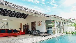 Decks Bali Villas