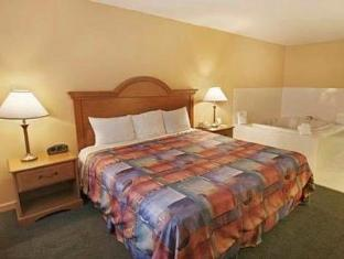 Econo Lodge Inn & Suites Orlando (FL) - Guest Room