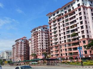 KK City Relax Condo at Marina Court