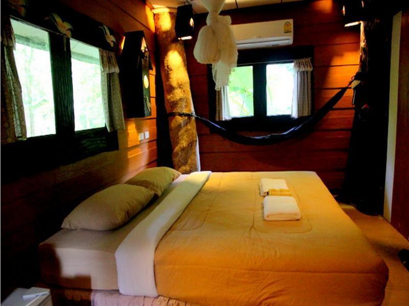 Khaosok Treehouse Resort,เขาสก ทรีเฮาส์ รีสอร์จ
