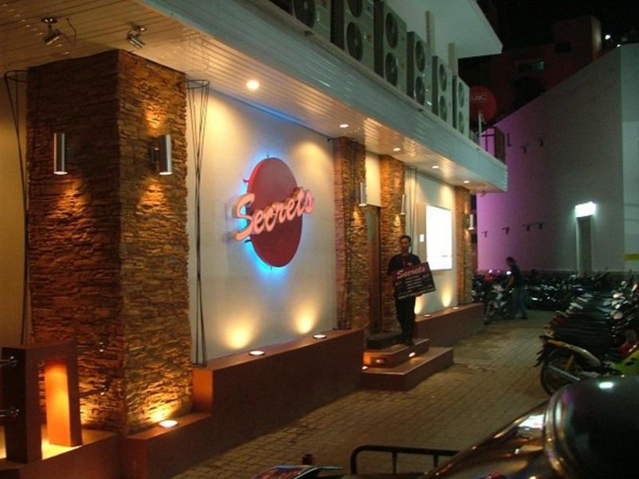 ซีเคร็ท โฮเต็ล (Secrets Hotel )