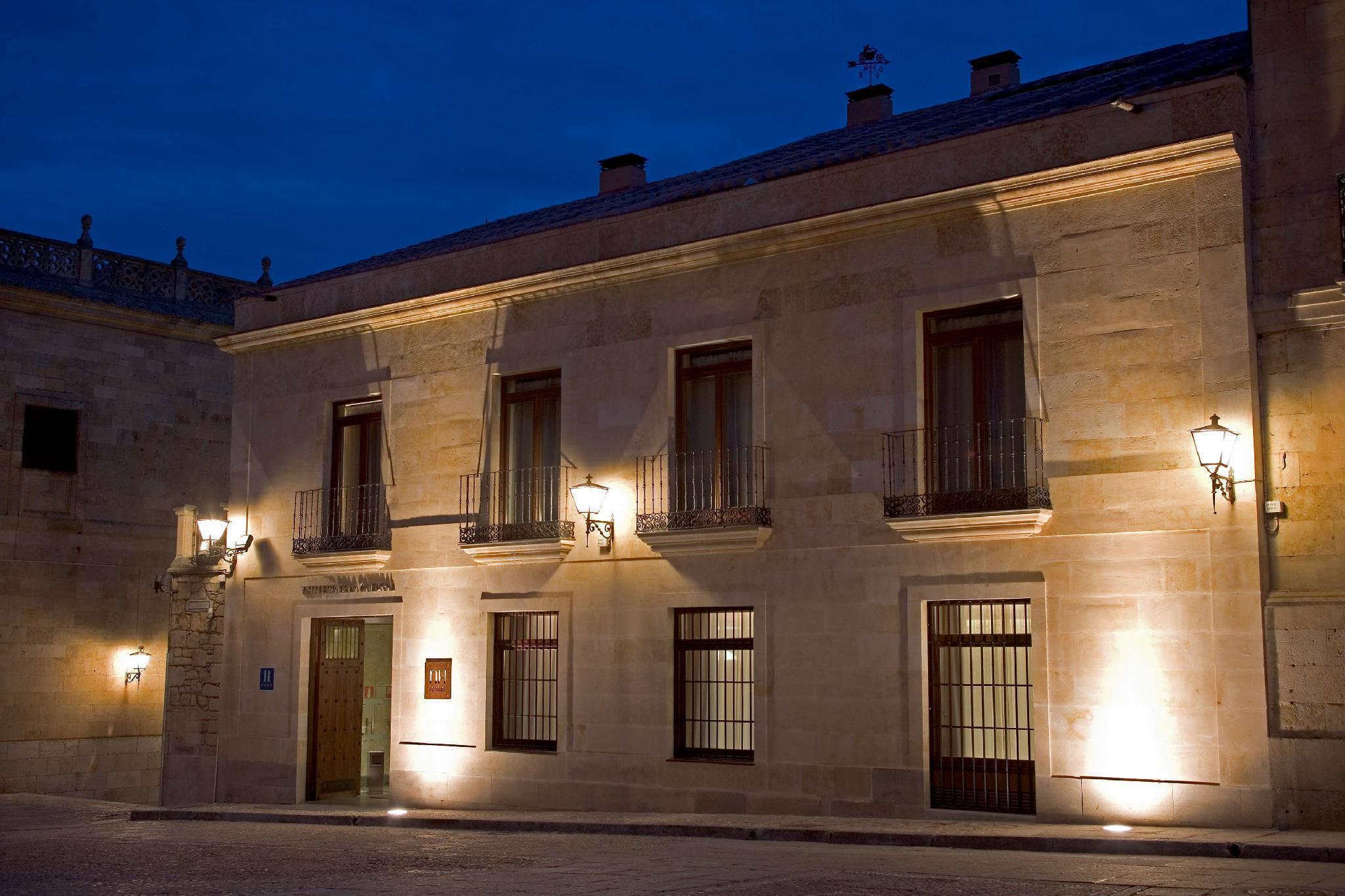 NH Puerta de la Catedral – Salamanca 1