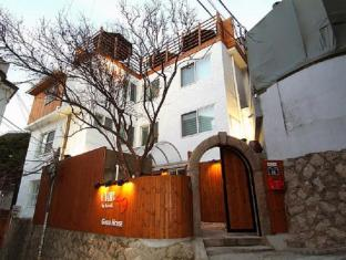 Crib 49 Guesthouse Seoul