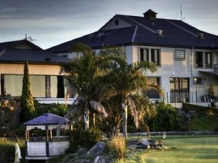 1834 Hotels Hotel in ➦ Victor Harbor ➦ accepts PayPal