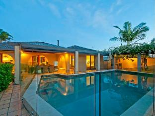 Bal Harbour Holiday Home PayPal Hotel Broadbeach