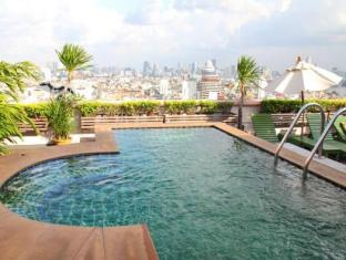 Grande Ville Hotel Bangkok - Piscina