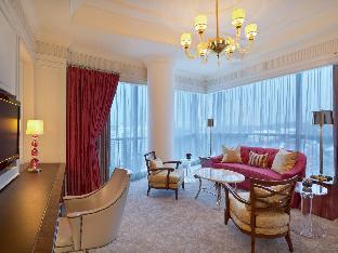The St. Regis Singapore Hotel guestroom junior suite