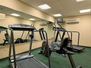 Ramada Inn Bradley Hotel Windsor Locks (CT) - Fitness Room