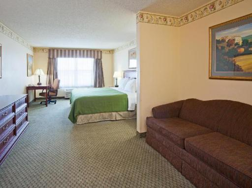 Country Inn & Suites By Carlson St. Cloud East MN hotel accepts paypal in St. Cloud (MN)