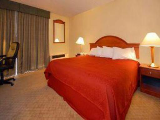 Quality Inn West Springfield hotel accepts paypal in West Springfield (MA)