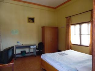 Best guest rating in Xam Neua ➦ Phouthong Guesthouse takes PayPal