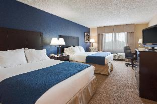 Holiday Inn Express Hotel & Suites Fort