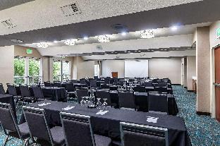 Clarion Hotel Portland International Airport