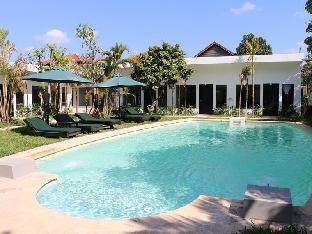 Antique Palm Hotel