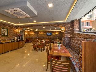 Aprilis Gold Hotel - image 3
